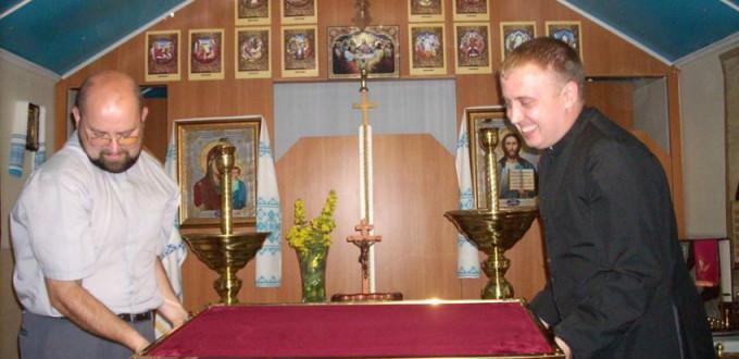 Lubotyn pod Charkowem 11-06-2015 ks. Sergej Pavliš przy Relikwiach
